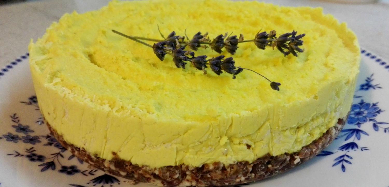 Raw lemon cake