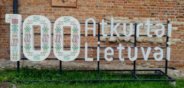 100 Atkurtai Lietuvai sign